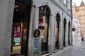 Gourmet e Artesanato de Coimbra numa bonita loja a apenas 150 metros do hotel