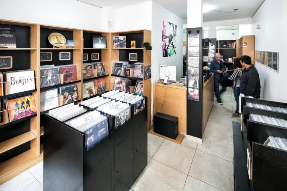 """Lucky Lux - a record store at """"Baixa de Coimbra"""""""